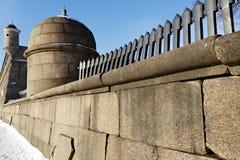 Τοίχος γρανίτη του Peter και του φρουρίου του Paul Στοκ Εικόνα