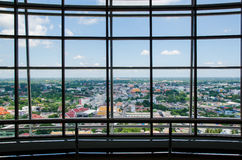 Τοίχος γυαλιού στο κτίριο γραφείων Στοκ Εικόνες