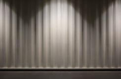 Τοίχος εμπορευματοκιβωτίων με ελαφρύ εμείς ως σκηνικό στοκ εικόνες