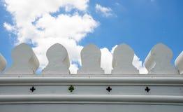 Τοίχος και ουρανός παλατιών Στοκ Φωτογραφία