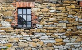 Τοίχος και παράθυρο Στοκ φωτογραφία με δικαίωμα ελεύθερης χρήσης