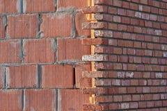 τοίχος κατασκευής τούβ&la Στοκ φωτογραφίες με δικαίωμα ελεύθερης χρήσης