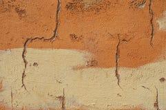 Τοίχος με τις ρωγμές Στοκ εικόνα με δικαίωμα ελεύθερης χρήσης