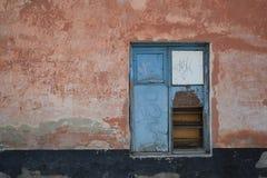 Τοίχος με το παράθυρο Στοκ φωτογραφία με δικαίωμα ελεύθερης χρήσης