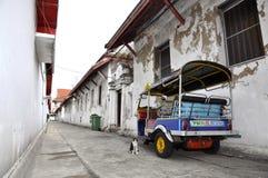Τοίχος πίσω πλευρών μηχανικών δίκυκλων Tuk Ταϊλάνδη Tuk Στοκ Εικόνες