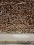 τοίχος πεζοδρομίων τούβ&lamb Στοκ Φωτογραφίες