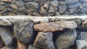 τοίχος πετρών σύσταση πετρών βράχου βρύου Στοκ φωτογραφία με δικαίωμα ελεύθερης χρήσης