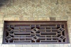 Τοίχος που γίνεται στο νεφρίτη και το ξύλινο παράθυρο Στοκ εικόνες με δικαίωμα ελεύθερης χρήσης
