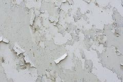 Τοίχος που καλύπτεται με το ραγισμένο χρώμα Στοκ Εικόνα