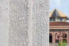 Τοίχος στηλών κεραμιδιών και υπόβαθρο μουσουλμανικών τεμενών Στοκ Εικόνα