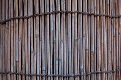 Τοίχος σωρών του ξύλινου υποβάθρου σωλήνων μπαμπού Στοκ φωτογραφία με δικαίωμα ελεύθερης χρήσης