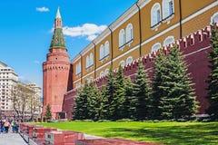 Τοίχος του Κρεμλίνου και κήπος του Αλεξάνδρου στον τάφο του άγνωστου κολλοειδούς διαλύματος Στοκ φωτογραφίες με δικαίωμα ελεύθερης χρήσης