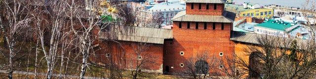 Τοίχος του Κρεμλίνου σε Nizhny Novgorod, Ρωσία την άνοιξη Στοκ φωτογραφία με δικαίωμα ελεύθερης χρήσης