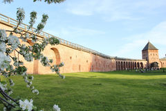 Τοίχος του Κρεμλίνου σε Velikiy Novgorod Στοκ Φωτογραφίες