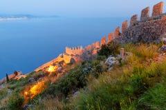 Τοίχος του Castle Alanya τη νύχτα Τουρκία Στοκ φωτογραφία με δικαίωμα ελεύθερης χρήσης