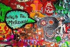 Τοίχος του John Lennon στην Πράγα, διάσημη επίσκεψη τουριστών Στοκ Φωτογραφία