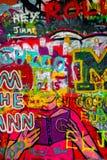 Τοίχος του John Lennon στην Πράγα, διάσημη επίσκεψη τουριστών Στοκ εικόνα με δικαίωμα ελεύθερης χρήσης