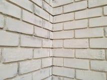 Τοίχος τούβλων με από το άσπρο χρώμα Στοκ Εικόνα