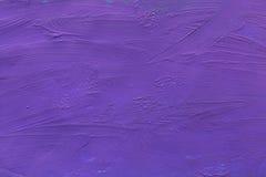 Τοίχος τσιμέντου που χρωματίζεται με το πορφυρό υπόβαθρο χρωμάτων σύσταση Στοκ Εικόνες
