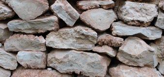 Τοίχος των καφετιών πετρών στοκ εικόνα
