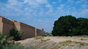 Τοίχος των μερικώς αποκατεστημένων καταστροφών Babylon, Hillah, Ιράκ στοκ φωτογραφίες