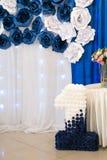 Τοίχος φωτογραφιών για το αγόρι Μπλε αριθμός ένας Μπλε και άσπρα λουλούδια Στοκ φωτογραφία με δικαίωμα ελεύθερης χρήσης