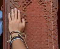 Τοίχος ψαμμίτη του αρχαίου οχυρού στοκ εικόνες