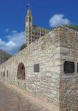 Τοίχος Alamo και του ξενοδοχείου της Emily Morgan Στοκ Φωτογραφία
