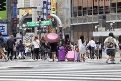 ΤΟΚΙΟ, ΙΑΠΩΝΙΑ - 18 Μαΐου 2016: Shibuya, αυτό ` s η περιοχή αγορών που περιβάλλει το σιδηροδρομικό σταθμό Shibuya Αυτή η περιοχή  Στοκ Φωτογραφία