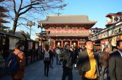 ΤΟΚΙΟ, ΙΑΠΩΝΙΑ - 21 ΝΟΕΜΒΡΊΟΥ: Οδός αγορών Nakamise σε Asakusa Στοκ εικόνα με δικαίωμα ελεύθερης χρήσης