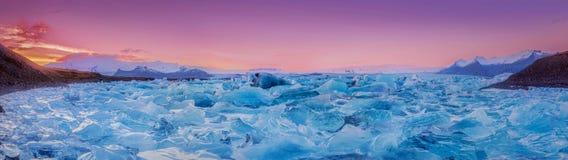 Τομέας του πάγου & του ηλιοβασιλέματος στοκ φωτογραφίες