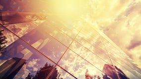 Τονισμένη τρύγος φωτογραφία της αντανάκλασης ουρανοξυστών στο γυαλί ενάντια στο s Στοκ εικόνες με δικαίωμα ελεύθερης χρήσης