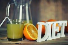 Τονισμένη φέτα γυαλιού χυμού από πορτοκάλι στοκ φωτογραφίες με δικαίωμα ελεύθερης χρήσης