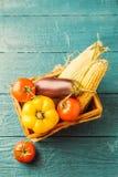 Τονισμένη φωτογραφία του καλαθιού με τα λαχανικά φθινοπώρου Στοκ εικόνες με δικαίωμα ελεύθερης χρήσης