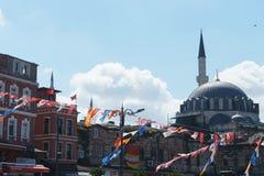 Τον Ιούλιο του 2018, Ιστανμπούλ, Τουρκία Προεκλογική εκστρατεία και εκλογή που κάνουν εκστρατεία σε ένα από τα τετράγωνα της Ιστα στοκ φωτογραφία με δικαίωμα ελεύθερης χρήσης