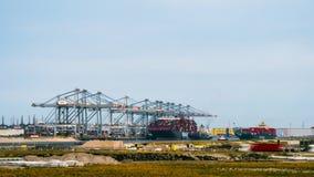 Τον Ιούλιο του 2018 circa του Ρότερνταμ, Κάτω Χώρες: Άποψη Europort, βιομηχανικό τοπίο φιλμ μικρού μήκους