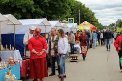 Τον Ιούνιο του 2017, Odoev Ρωσία: Λαϊκές ιστορίες ` Filimon ` s παππούδων φεστιβάλ ` - σειρές εμπορικών συναλλαγών στοκ φωτογραφίες με δικαίωμα ελεύθερης χρήσης