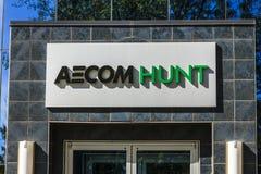 Τον Οκτώβριο του 2017 της Ινδιανάπολης - Circa: Έδρα ομάδας κατασκευής AECOM Κυνήγι AECOM Κυνήγι είναι οικοδόμος των μεγάλων προγ Στοκ Φωτογραφίες
