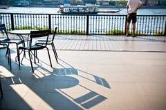 Τον πίνακα εδρών και γραφείων που τίθεται στο μπαλκόνι besign τις δημόσιες σχέσεις Choa ποταμών Στοκ φωτογραφίες με δικαίωμα ελεύθερης χρήσης