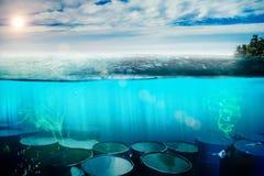 Τοξικά απόβλητα στον υποβρύχιο παράδεισο στοκ φωτογραφίες με δικαίωμα ελεύθερης χρήσης