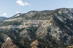 Τοπία βουνών από τη σπηλιά του δρόμου Colorado Springs ανέμων στοκ φωτογραφία