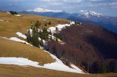 Τοπίο βουνών άνοιξη Στοκ εικόνες με δικαίωμα ελεύθερης χρήσης