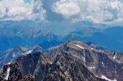 Τοπίο βουνών από την αιχμή Aneto, Huesca, Αραγονία, Πυρηναία, Ισπανία Στοκ Εικόνες