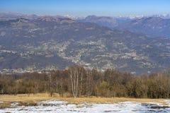 Τοπίο βουνών από Valcava, Λομβαρδία στοκ εικόνες