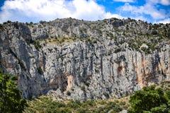Τοπίο βουνών, βράχοι ασβεστόλιθων στο Μαυροβούνιο στοκ φωτογραφίες με δικαίωμα ελεύθερης χρήσης