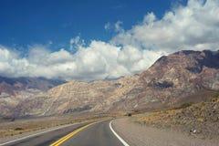 Τοπίο βουνών για το θερινό ταξίδι στο Los Άνδεις στοκ φωτογραφίες με δικαίωμα ελεύθερης χρήσης