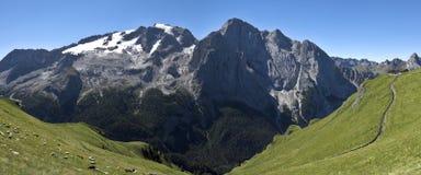 Τοπίο βουνών, Ιταλία Στοκ φωτογραφία με δικαίωμα ελεύθερης χρήσης