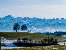 Τοπίο βουνών και λόφων της Ελβετίας Στοκ εικόνες με δικαίωμα ελεύθερης χρήσης