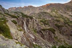 Τοπίο βουνών καταρρακτών Στοκ Φωτογραφία