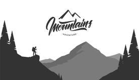 Τοπίο βουνών κινούμενων σχεδίων grayscale με τον οδοιπόρο στο πρώτο πλάνο στοκ φωτογραφία